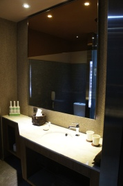 Home Hotel - Bathroom