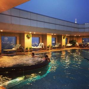 酒店泳池(夜景)