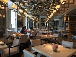Cafe Un Deux Trois - 餐廳內