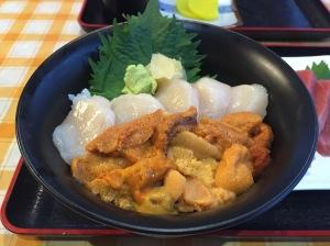 海膽扇貝丼(2750円)