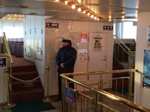 破冰船船艙內