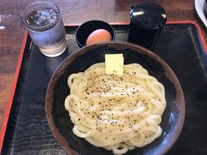 手打十段 - 牛油胡椒烏冬「中」510円